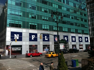 nfl photo bryant park 6th ave 400x298 UPDATE: Nordstrom Rack Eyeing 1095 Sixth Avenue