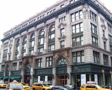 675 avenue of the americas Weight Watchers Signs 125K S/F Deal