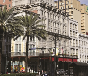 astorcp 37 New Orleans' Astor Crowne Plaza: Going Once…