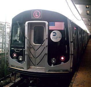 800px-R160A_L_Train