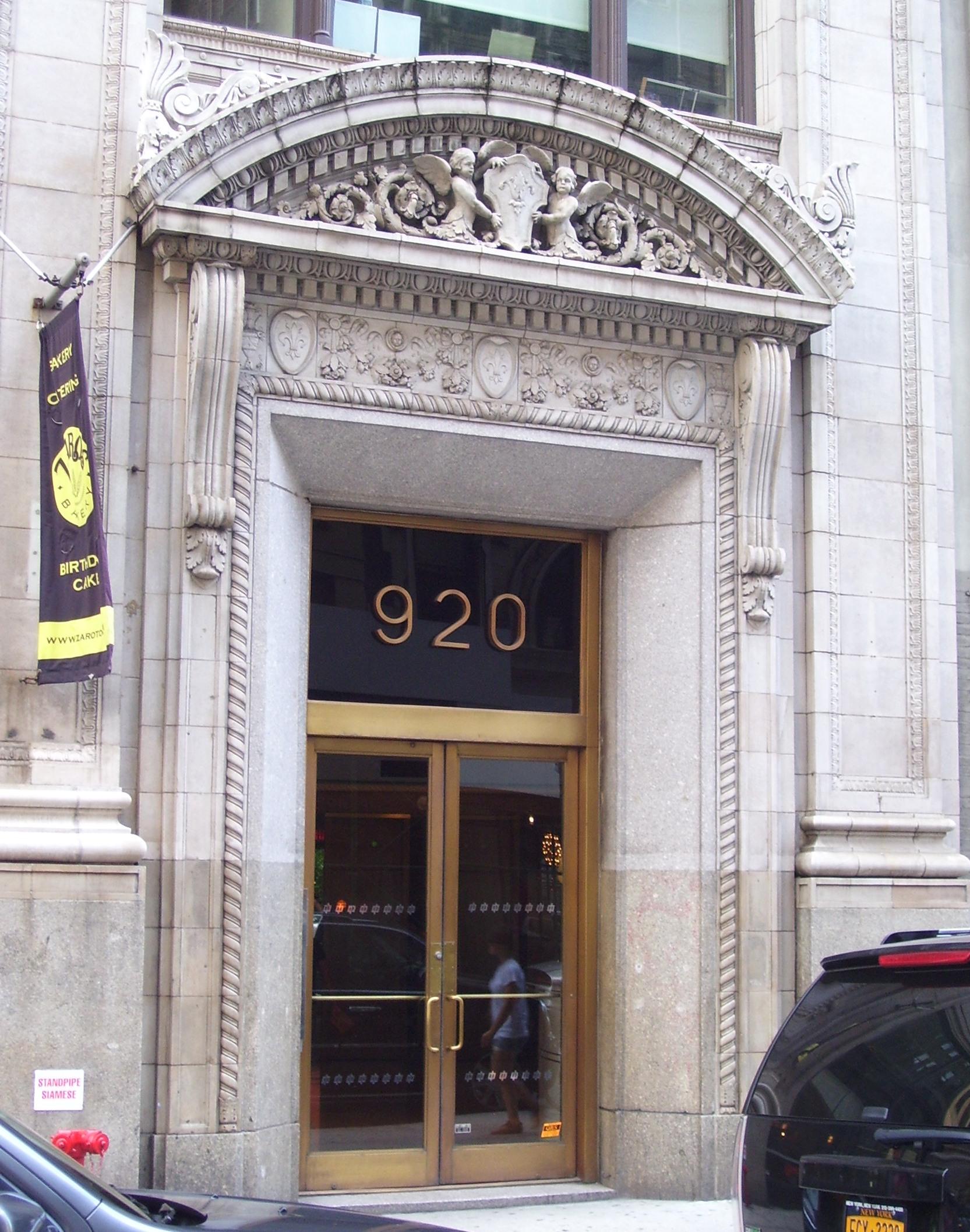 Entryway at 920 Broadway