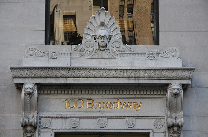 800px-100_Broadway_entrance