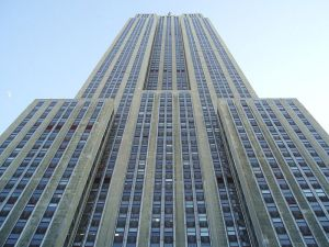 Looking_Up_at_Empire_State_Building