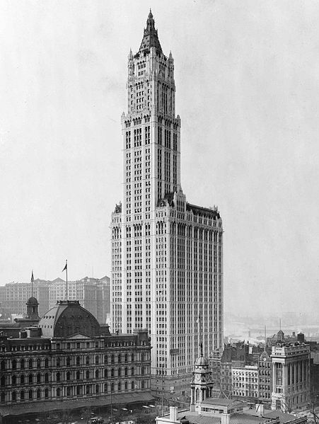 451px-View_of_Woolworth_Building_fixed_crop