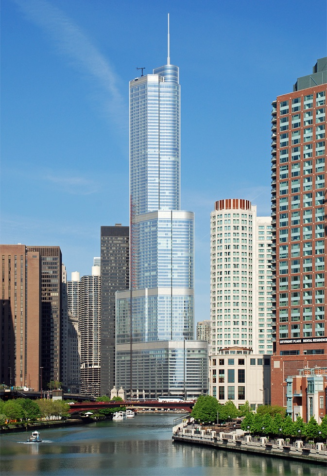 Trump_International_Hotel_and_Tower,_Chicago