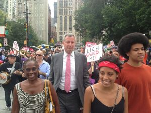 800px-Bill_de_Blasio_and_family