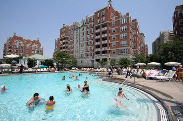 Residents enjoy the swimming pool at the Oceana Condominium & Club. (Credit: NY Daily News)