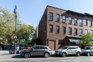 325 Smith Street