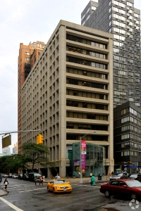 Last year, Ms. Hwang broke down and arranged the sale of 1865 Broadway (Photo: CoStar).