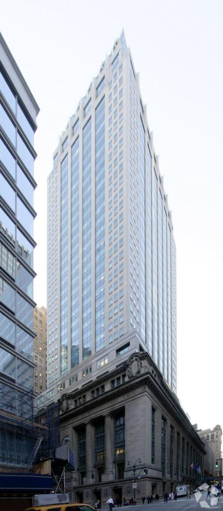 450 Lexington Avenue (Photo: CoStar Group).