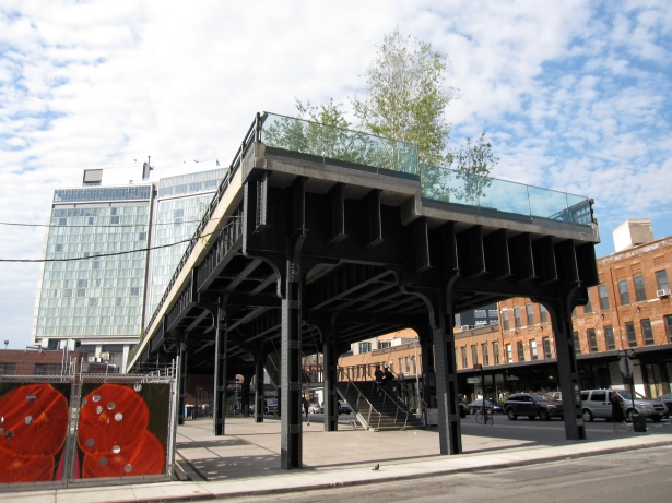 HIGH-AND-MIGHTY: The High Line is a draw for retailers to open up shop on Washington Street.