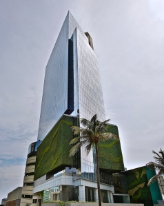 TORRE LAS AMERICAS, a 21-story office tower Leyva recently finished in Veracruz.