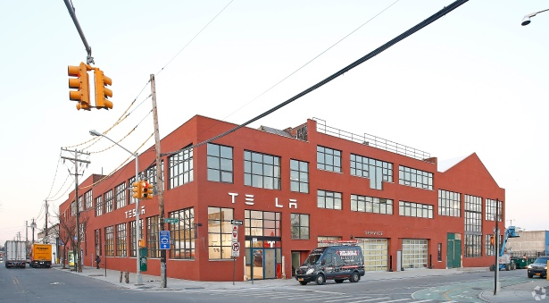 buildingphoto12 Christopher DeCrosta Sees Apple, Tesla and J. Crew as Just the Beginning for Brooklyn