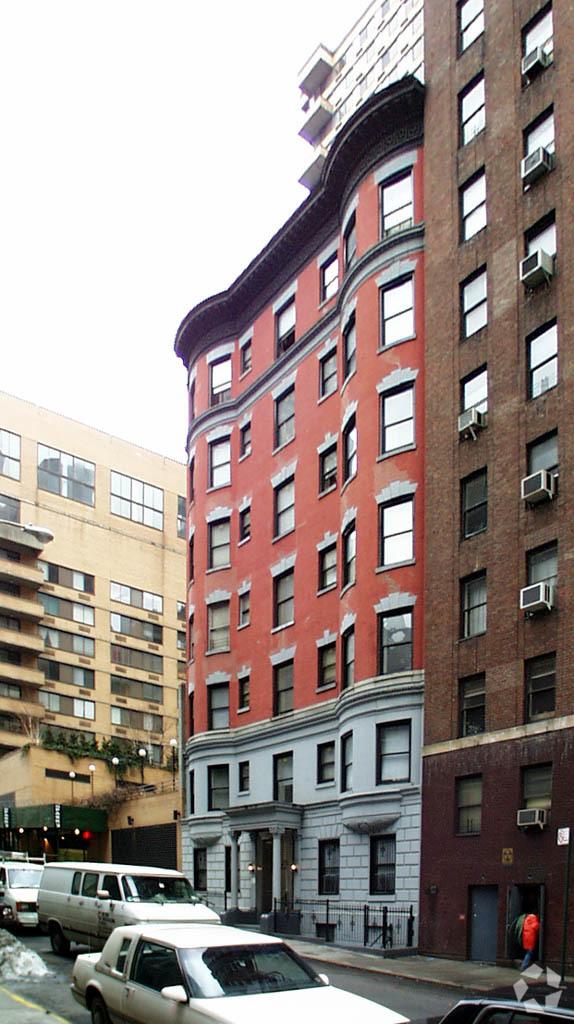 primaryphoto6 City Sues Alleged Illegal UWS Hotel Operator